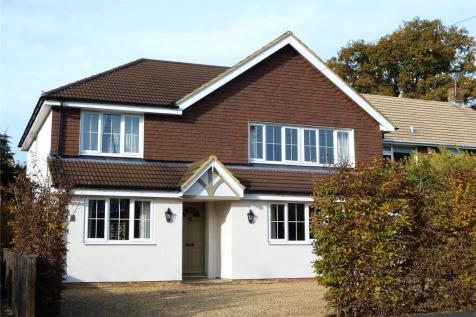 Glenville Gardens, Hindhead, Surrey, GU26. 5 bedroom detached house