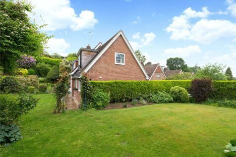 Downside, Hindhead, Surrey, GU26. 4 bedroom detached house