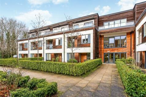 Weycombe House, Wispers Lane, Haslemere, Surrey, GU27. 2 bedroom apartment