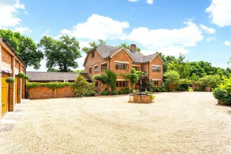 Oak Lane, Shillinglee, Chiddingfold, Surrey, GU8. 6 bedroom detached house
