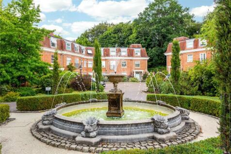 Shottermill Park, Hindhead Road, Haslemere, Surrey, GU27. 2 bedroom flat