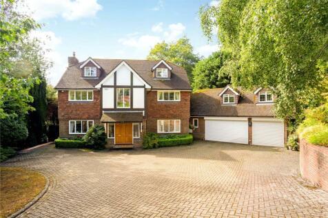 Farnham Lane, Haslemere, Surrey, GU27. 5 bedroom detached house
