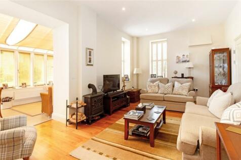 Budgenor Lodge, Dodsley Lane, Easebourne, Midhurst, GU29. 3 bedroom end of terrace house