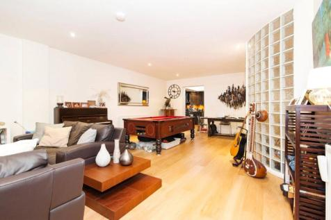 Calvin Street, Shoreditch, E1. 3 bedroom flat for sale