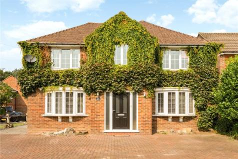 Forest Road, Horsham, West Sussex, RH12. 4 bedroom detached house