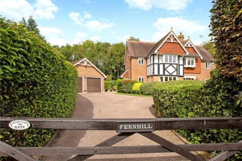 Rookwood Park, Horsham, West Sussex, RH12. 5 bedroom detached house