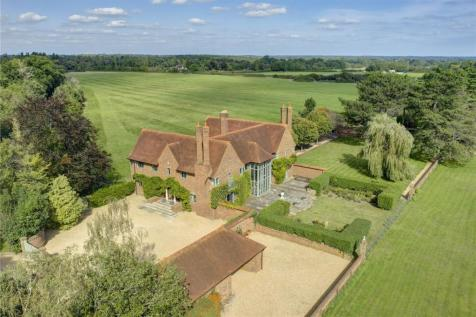 Cliveden Road, Taplow, Buckinghamshire, SL6. 6 bedroom detached house for sale
