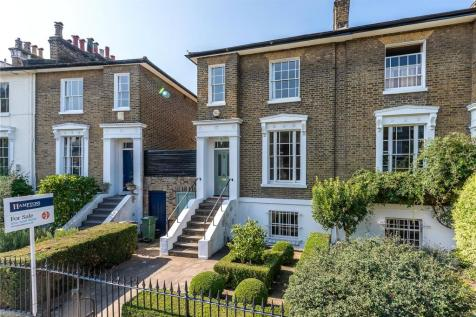 Stockwell Park Crescent, London, SW9. 4 bedroom semi-detached house for sale