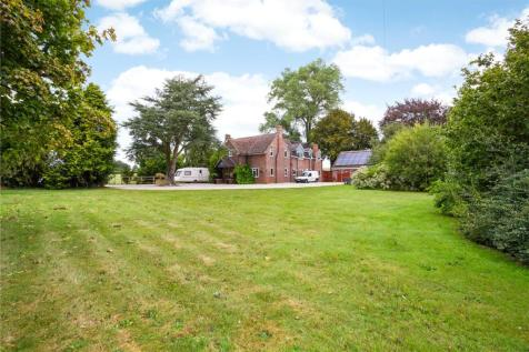 Swindon Road, Avebury, Marlborough, Wiltshire, SN8. 6 bedroom detached house for sale