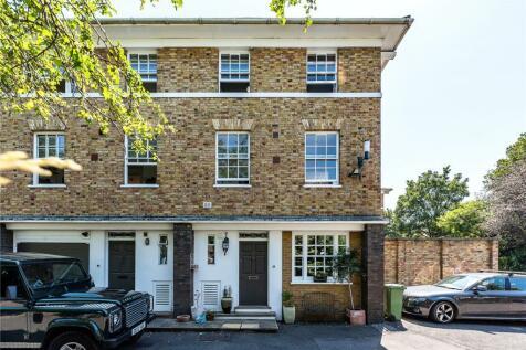 Langford Green, London, SE5. 5 bedroom end of terrace house