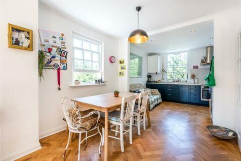 Langford Green, London, SE5. 5 bedroom end of terrace house for sale