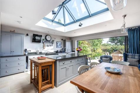 Auckland Road, London, SE19. 5 bedroom semi-detached house for sale
