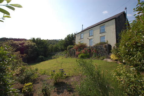 Llanfynydd CARMARTHENSHIRE. 4 bedroom detached house for sale