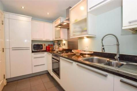 Priory Fields Watford WD17. 3 bedroom end of terrace house