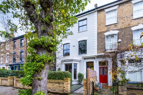 Groombridge Road, London, E9. 5 bedroom end of terrace house for sale
