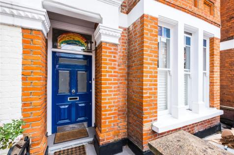 Calabria Road, London, N5. 4 bedroom terraced house for sale
