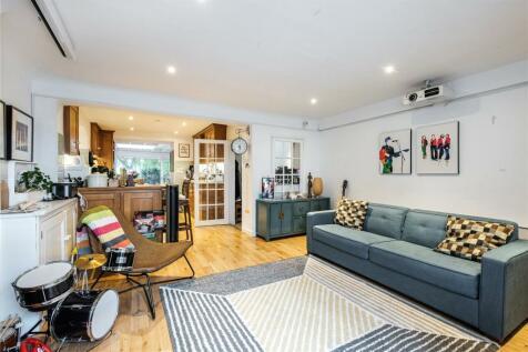 Noel Road, London, N1. 4 bedroom terraced house