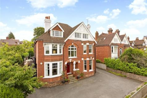 Somerville Gardens, Tunbridge Wells, Kent, TN4. 8 bedroom detached house