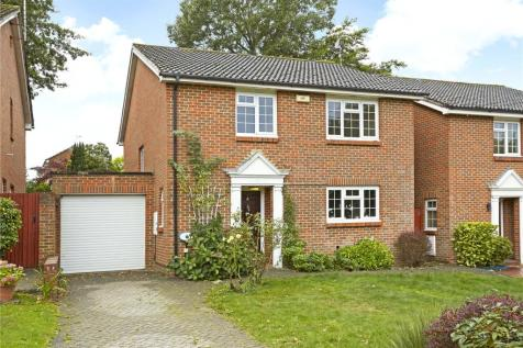 Marlborough Drive, Weybridge, Surrey, KT13. 4 bedroom detached house for sale