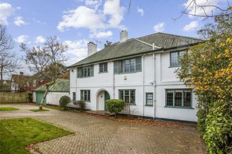 Woodham Waye, Woking, Surrey, GU21. 5 bedroom detached house for sale