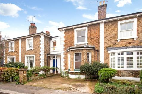 Shaftesbury Road, Richmond, TW9. 2 bedroom terraced house for sale
