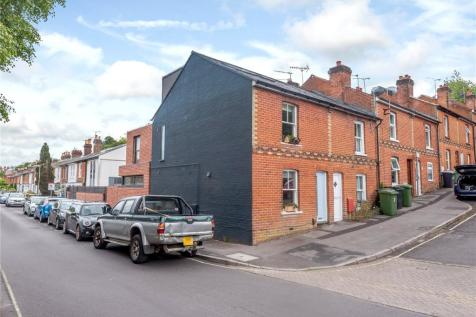 Greenhill Avenue, Winchester, Hampshire, SO22. 3 bedroom end of terrace house for sale