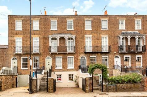 Kings Road, Windsor, Berkshire, SL4. 3 bedroom terraced house