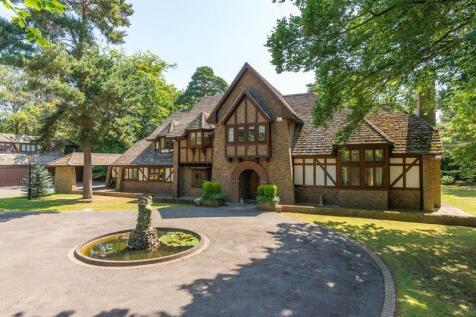 St George's Hill Weybridge. 5 bedroom detached house for sale