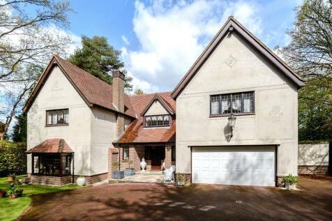Manor Road, High Beech, Loughton, Essex, IG10. 4 bedroom detached house for sale