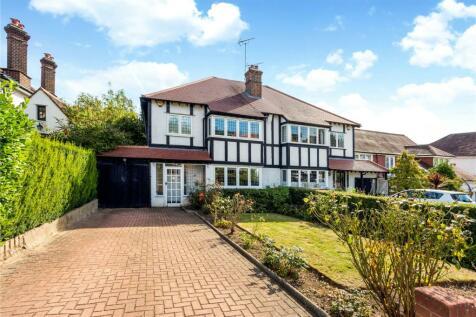 Monkhams Avenue, Woodford Green, Essex, IG8. 4 bedroom semi-detached house