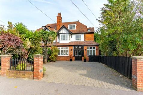 Station Road, Loughton, Essex, IG10. 4 bedroom semi-detached house for sale