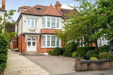 Monkhams Avenue, Woodford Green, Essex, IG8. 5 bedroom semi-detached house
