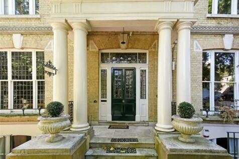 Cottenham Park Road, London, SW20. 3 bedroom apartment for sale