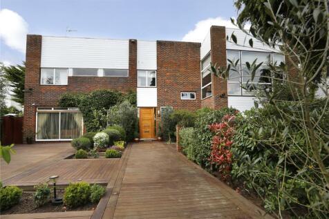 Lord Chancellor Walk, Kingston upon Thames, Surrey, KT2. 6 bedroom detached house