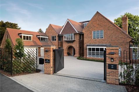 Gregories Road, Beaconsfield, Buckinghamshire, HP9. 6 bedroom detached house for sale