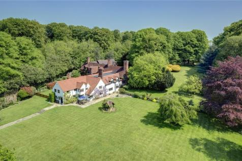 Rawlings Lane, Seer Green, Beaconsfield, Buckinghamshire, HP9. 10 bedroom detached house for sale