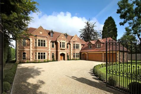 Burkes Road, Beaconsfield, Buckinghamshire, HP9. 7 bedroom detached house for sale