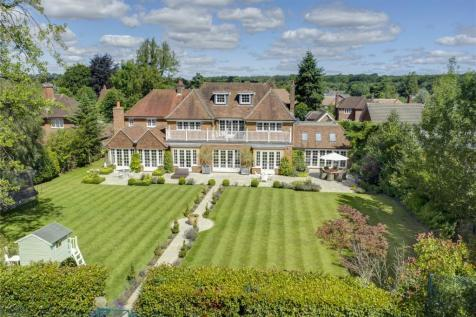 Brownswood Road, Beaconsfield, Buckinghamshire, HP9. 6 bedroom detached house for sale