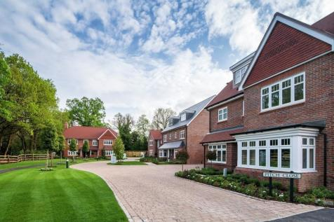 Leighwood Fields, Cranleigh, Surrey, GU6. 4 bedroom detached house