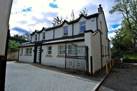 Westbank Lane, Glasgow, G12. 4 bedroom semi-detached house