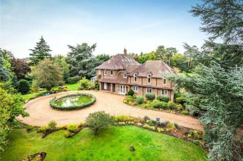 Bishops Walk, Shirley Hills, Croydon, Surrey, CR0. 5 bedroom detached house for sale