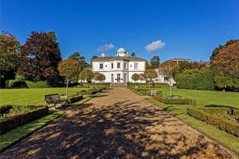 Thirlestaine Hall, Thirlestaine Place, Cheltenham, Gloucestershire, GL53. 3 bedroom flat for sale