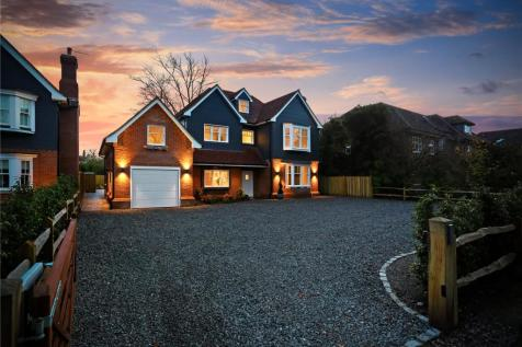 Chestnut Avenue, Chichester, West Sussex, PO19. 6 bedroom detached house for sale