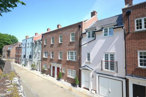 Lower Walls Walk, Chichester, West Sussex, PO19. 4 bedroom terraced house