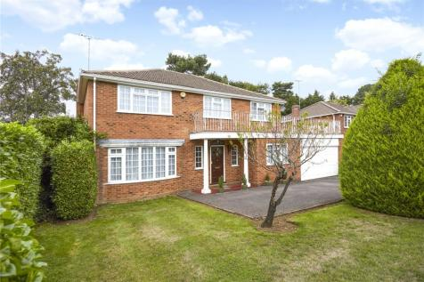 Pine Walk, Cobham, Surrey, KT11. 4 bedroom detached house