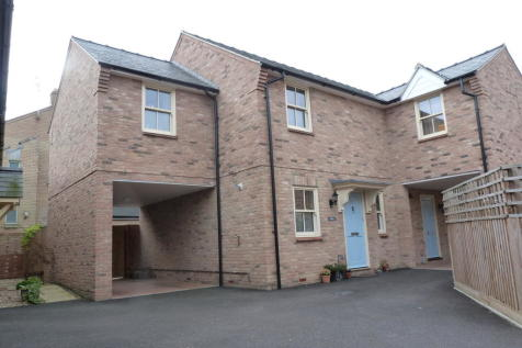 Moore Court, Off West Fen Road. 3 bedroom semi-detached house