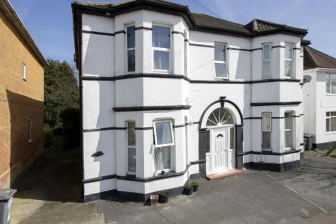 Drummond Road, Boscombe. 1 bedroom flat