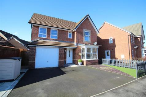 Park Way, Rogerstone, Newport. 4 bedroom detached house