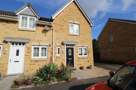 Schooner Close, Newport. 2 bedroom end of terrace house for sale