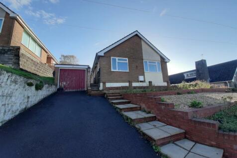 High Cross Lane, Rogerstone, Newport. 3 bedroom bungalow for sale
